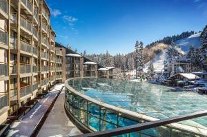 ski yoga retreat bulgaria